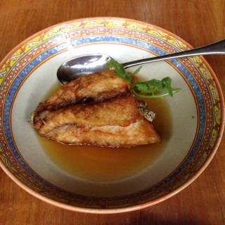 Fried grouper in fish sauce