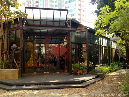 Karmakamet - a secret world in the middle of Sukhumvit