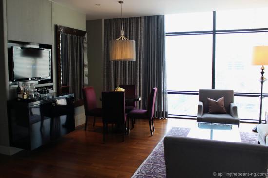 Living room of the Caroline Astor Suite